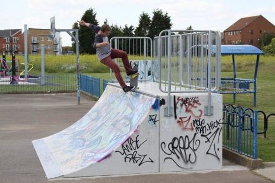 Shoebury Park: Skate park and Teenage Park