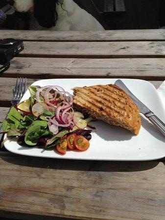 Duke Street Cafe: delicious fresh crab sandwich