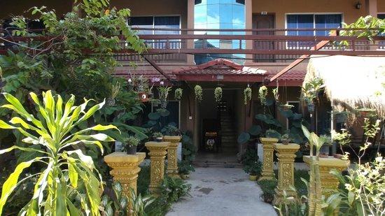 Angkor Secret Garden Hotel: Outside the room