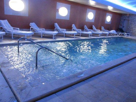 Auberge de Cassagne & Spa : piscine intérieure