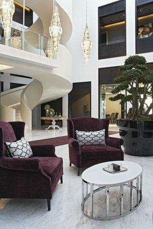 كوين فيكتوريا هوتل: Atrium