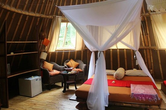 Les toits du monde, unusual and ecologic accommodations