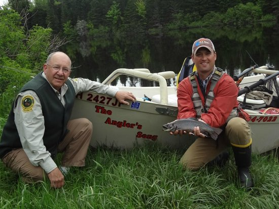 Bear Tree Cabins: Drift Boat Trip with The Angler's Song Guide Service