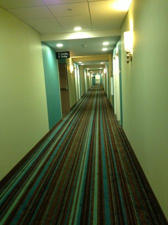 Hampton Inn & Suites Orange Beach: Hallway