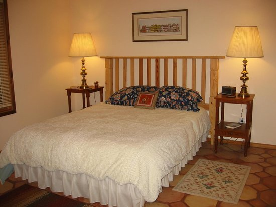 Heron Cove Guest House : Coveside Suite Bedroom