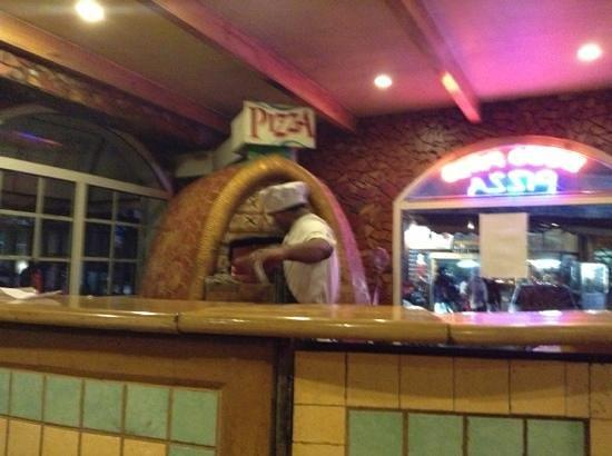 Nahar Sidewalk Cafe: Wood Fired Pizza