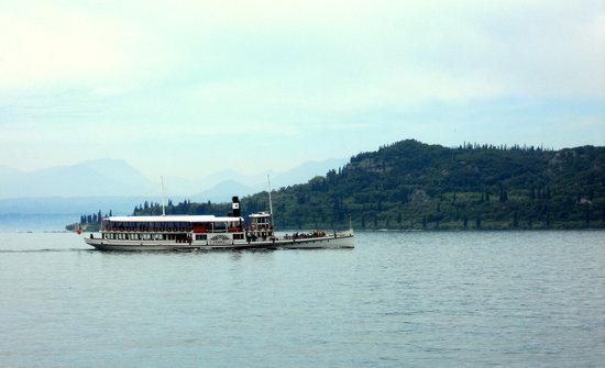 Residenza Turistico Alberghiera Doria: Local ferry service