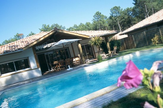 Madame Vacances Villas La Prade : Villas La Prade avec terrasse et piscine privée