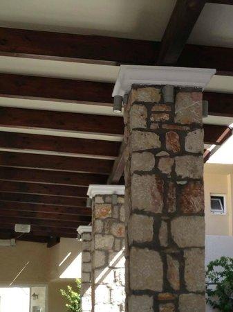 Venezia Resort : Pool Bar Roof