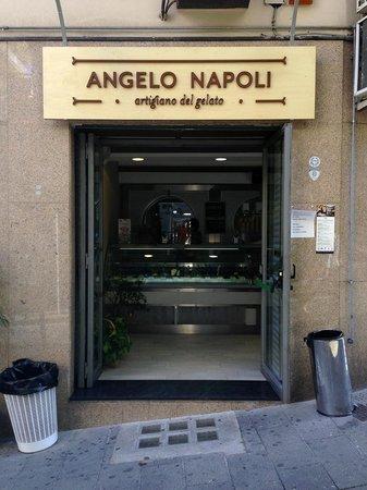 Angelo Napoli - Ingresso
