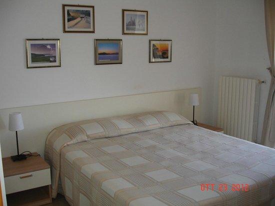 Casa Miraglia: Camera magnolia letto