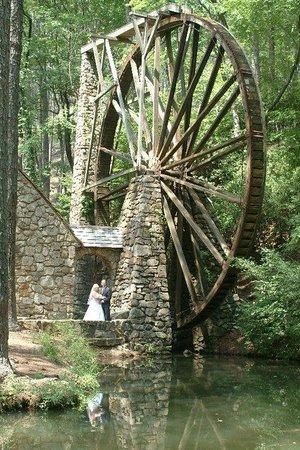 WinShape Retreat : Largest wooden over-shot waterwheel in the world!