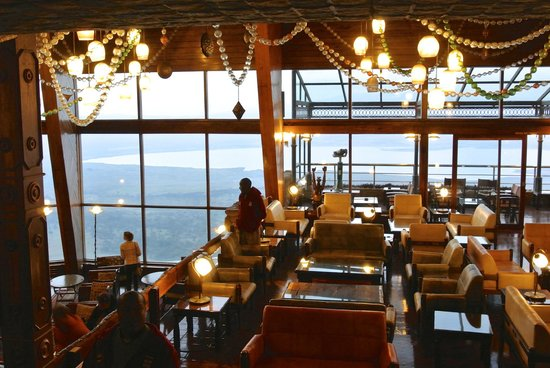 Ngorongoro Wildlife Lodge: Bar View