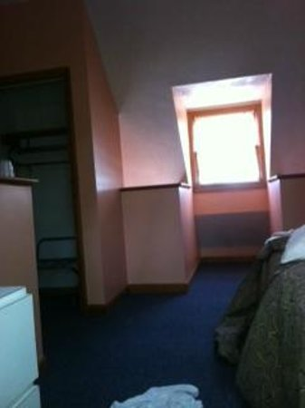Brentwood Motor Inn: town house 111 bedroom