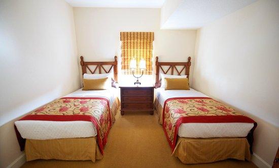 grande villas resort 81 1 3 4 updated 2018 prices. Black Bedroom Furniture Sets. Home Design Ideas