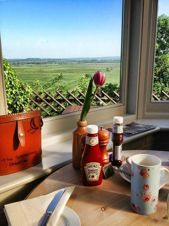 The Sportsman Inn: Breakfast with a view