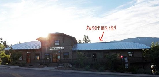‪‪Desert Mountain Brewing & Draughthaus‬: DMB is located in the Cosley Building between 7th and 8th on Nucleus Avenue in Columbia Falls.‬