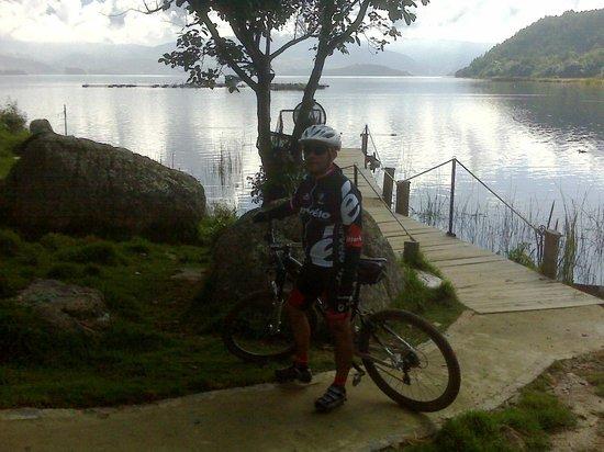 Hotel Decameron Camino Real: Me encanta montar bici en estas areas rurales...