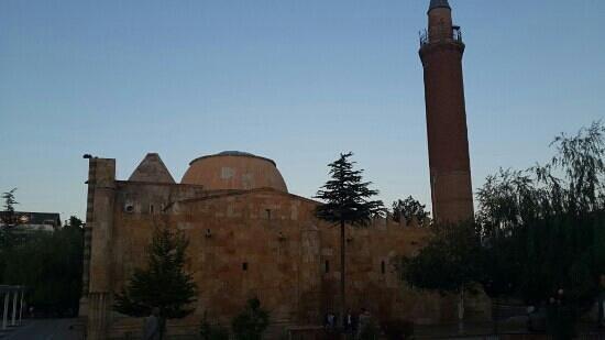 Caca Bey Medresesi: Cacabey medresesi