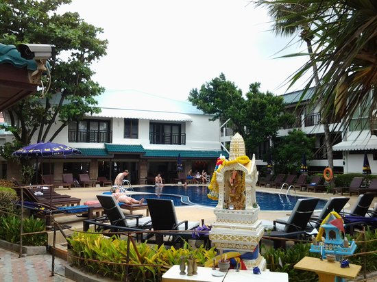 Patong Bay Garden Resort: From the beach