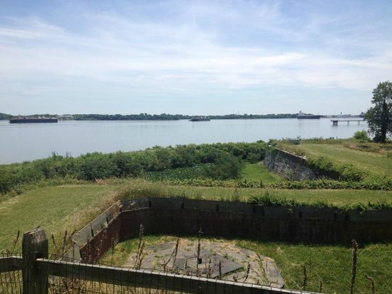 Awfully Nice Tours & Philly Tour Hub : Fort Mifflin