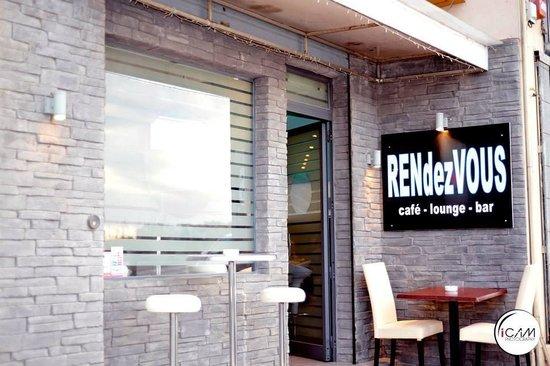 RENdezVOUS Cafe - Bar - Lounge: getlstd_property_photo