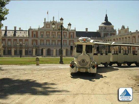 Arantour-Chiquitrén: Tren Turístico de Aranjuez, Palacio Real (Chiquitrén)