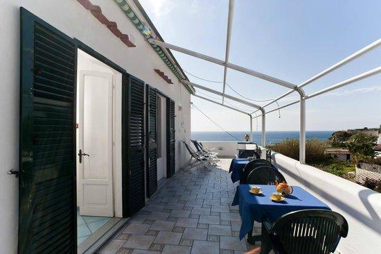 Appartamenti Baia di Citara: terrazza