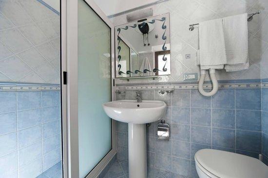 Appartamenti Baia di Citara: bagno