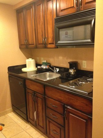 Homewood Suites Pensacola-Arpt (Cordova Mall Area): Kitchen
