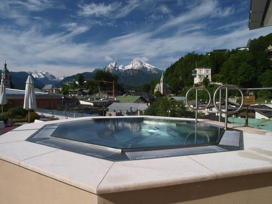 Hotel Edelweiss: Whirlpool on the top