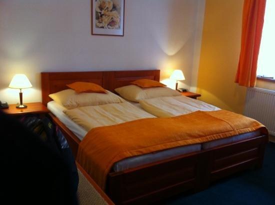 Hotel Horal: Hotel room