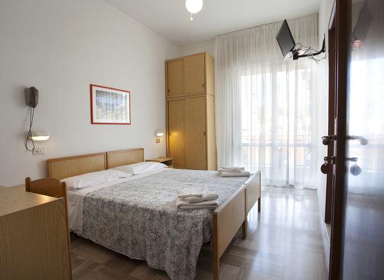Hotel Giordo : camera matrimoniale