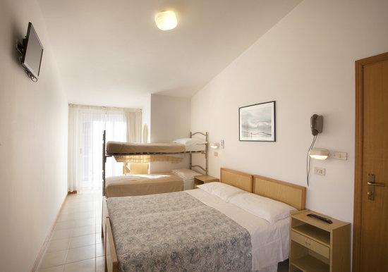 Hotel Giordo : camera quadrupla
