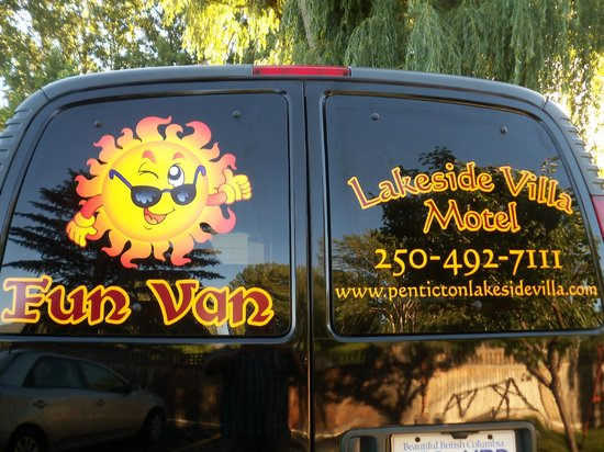 Lakeside Villa Inn & Suites: Our courtesy van
