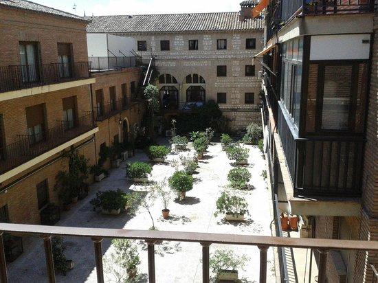 Hotel Maria Cristina: vista desde la habitación, patio