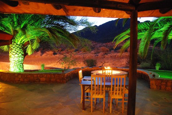 Etusis Lodge: this is where we had dinner