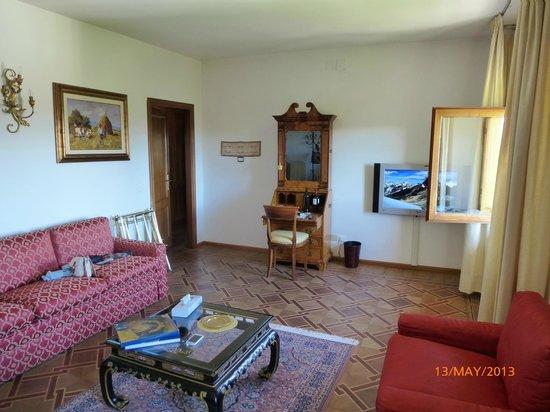Villa Scacciapensieri: Lounge of suite