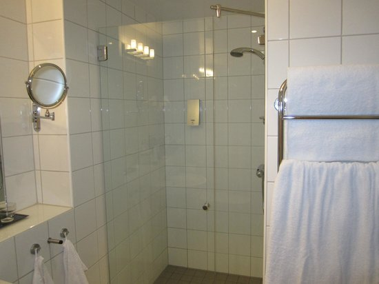 BEST WESTERN PLUS Hotel Mektagonen: Dusch