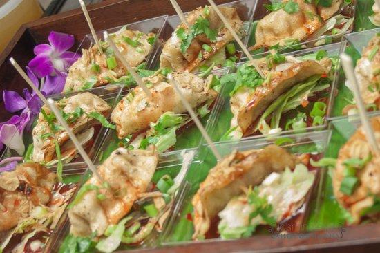 Bangkok Cuisine: Bangkok Dumplings