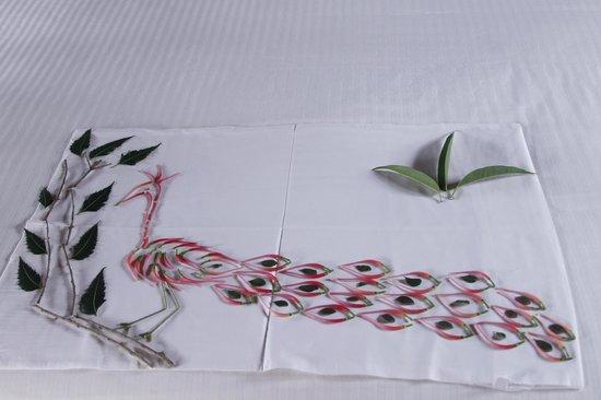 Cinnamon Wild Yala: decoration du lit