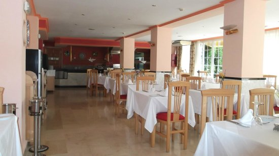 Hotel Don Paquito: Dining Room