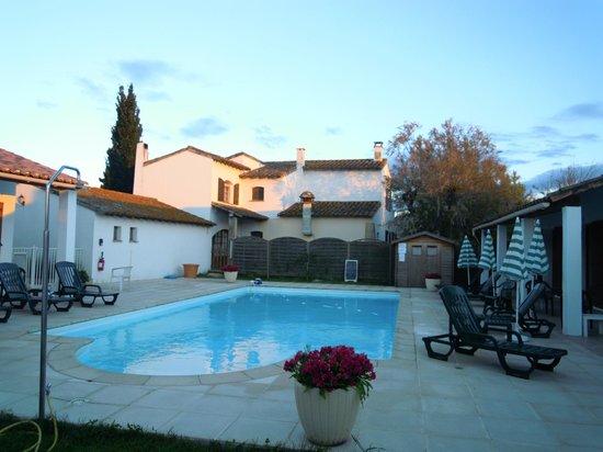 Auberge de la Fadaise: 各部屋の中央にプールがあります