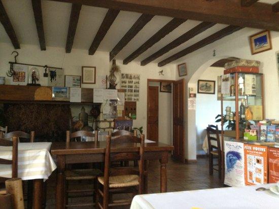 Auberge de la Fadaise: レストラン内部