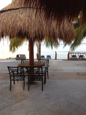 Sunscape Sabor Cozumel: place we liked to sit and have a drink