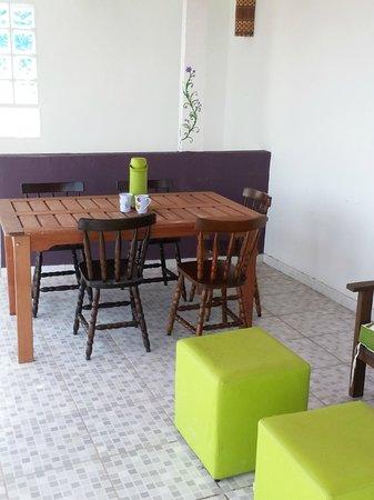 Rale Chateau Hostel: Breakfast area