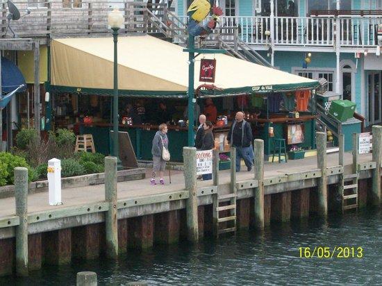 Coop de Ville Restaurant: Ferry ride back to Hyannis Port