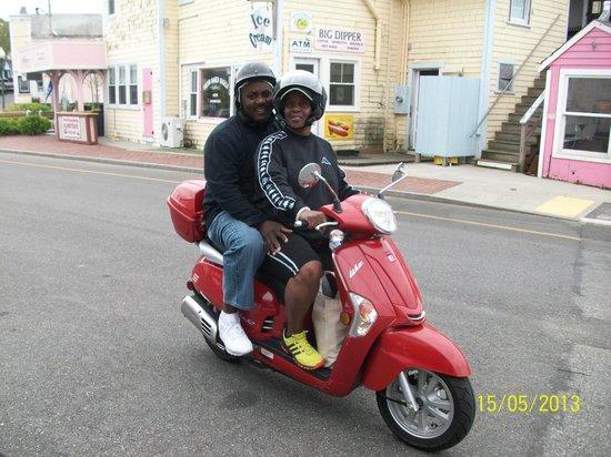 Coop de Ville Restaurant: Moped ride