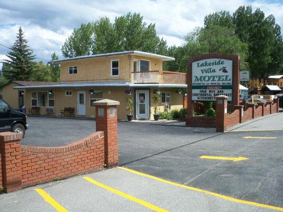 Lakeside Villa Inn & Suites: office residence