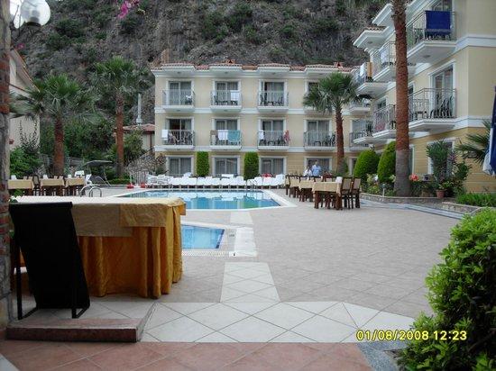 Villa Beldeniz : villa deniz at pool area